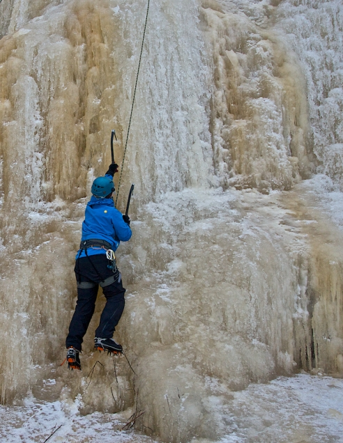 Ice climbing at Pirunkallio